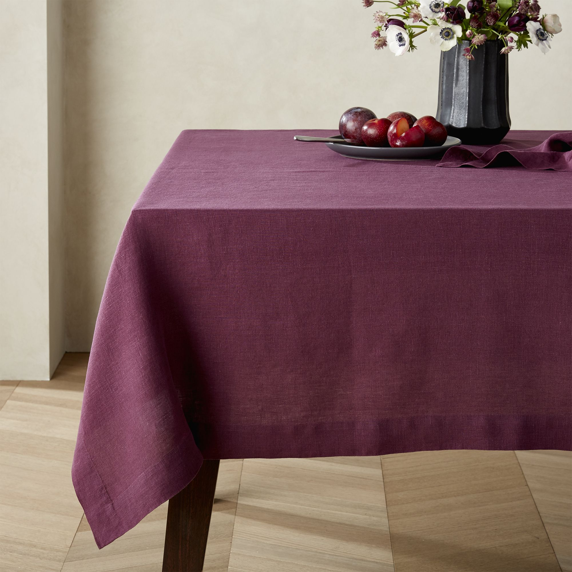 Helena Wine Linen Tablecloth
