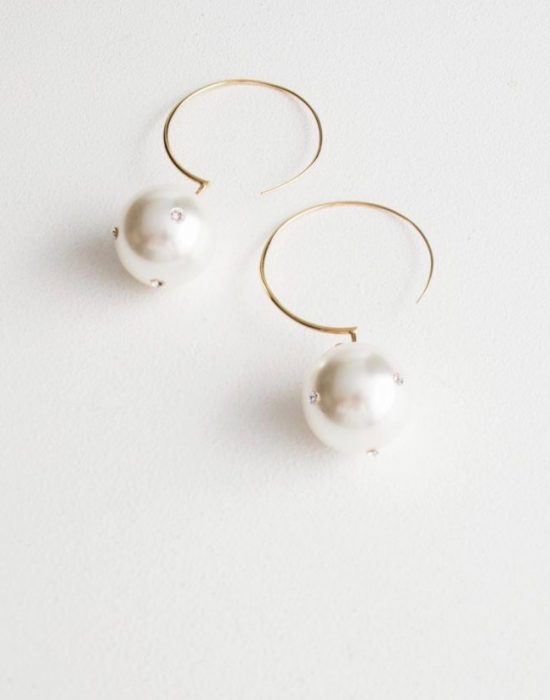 The Daily Hunt: Pearl Hoop Earrings and more!
