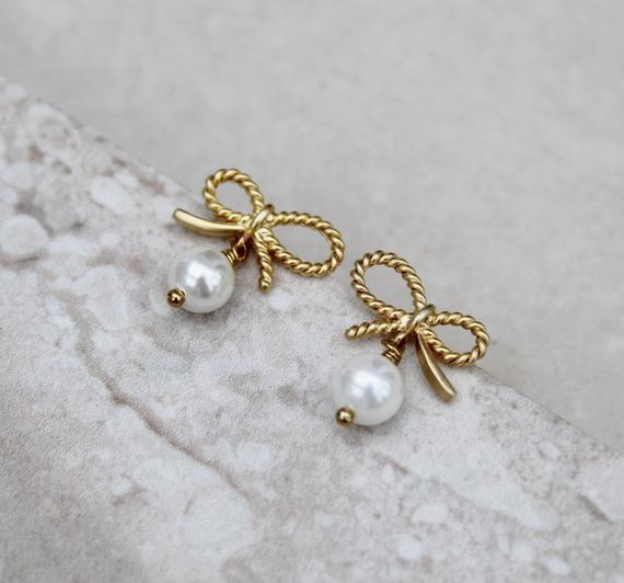 Small Gold Bow Earrings