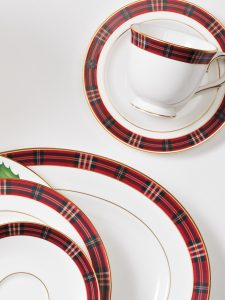 Over 30 Festive Pieces for Your Christmas Table