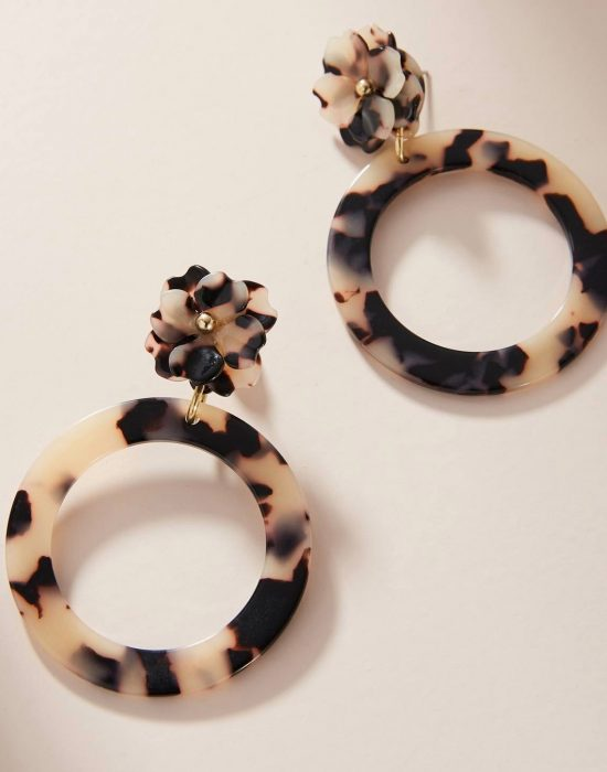 The Daily Hunt: Tortoise Flower Hoops and more!