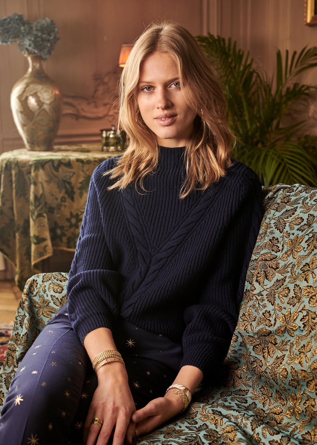 Plait Pullover with Puffed Sleeves