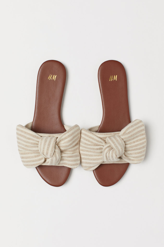 Flat Sandals with Striped Bow