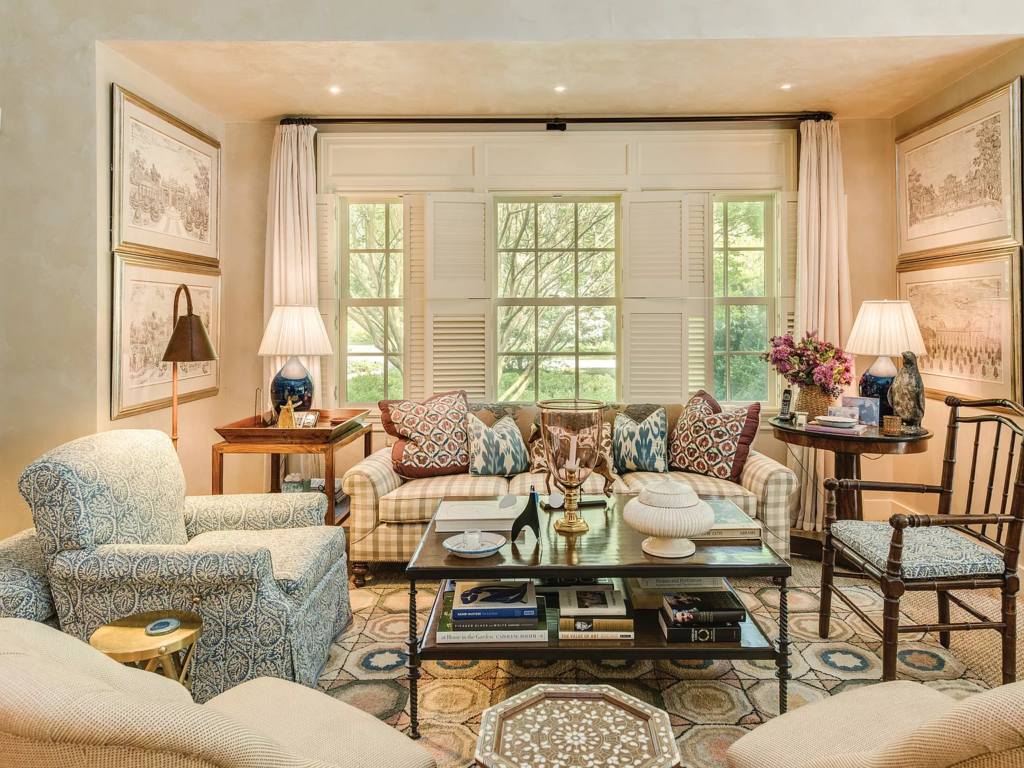 Living Room in 19 Georgica Road, East Hampton, New York decorated by Bunny Williams