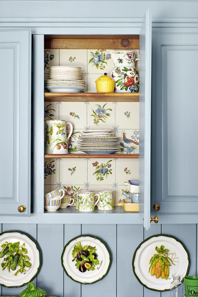 Ragan Cain Mountain Brook Alabama Kitchen Mark D. Sikes William Morris Wallpaper Floral Farrow & Ball Parm Gray Cabinetry Open Shelving