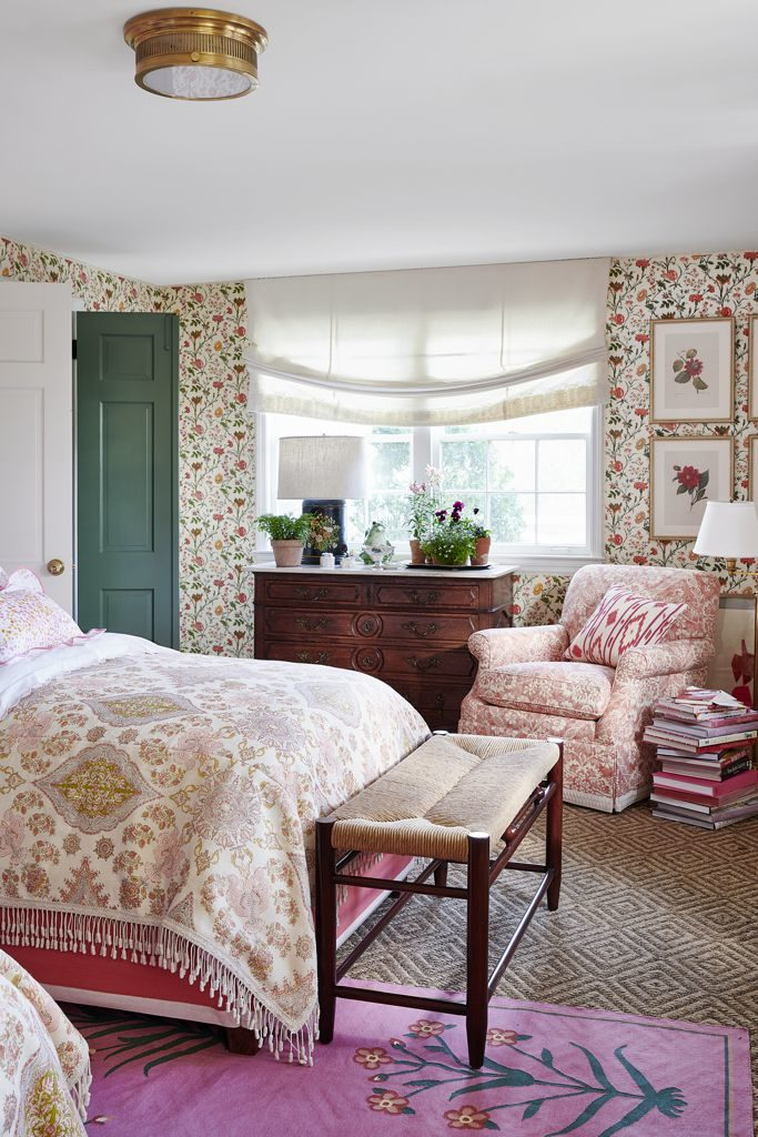 Ragan Cain Mountain Brook Alabama Mark D. Sikes Guest Bedroom Pink Floral Wallpaper Quardrille