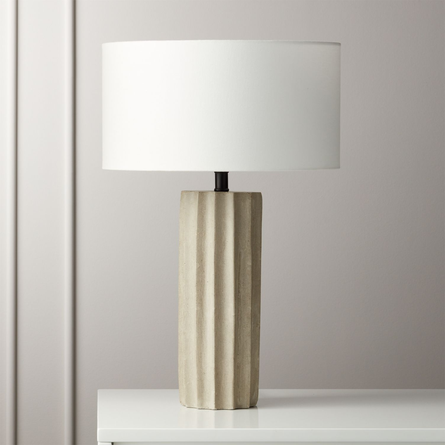 Scallop Concrete Table Lamp