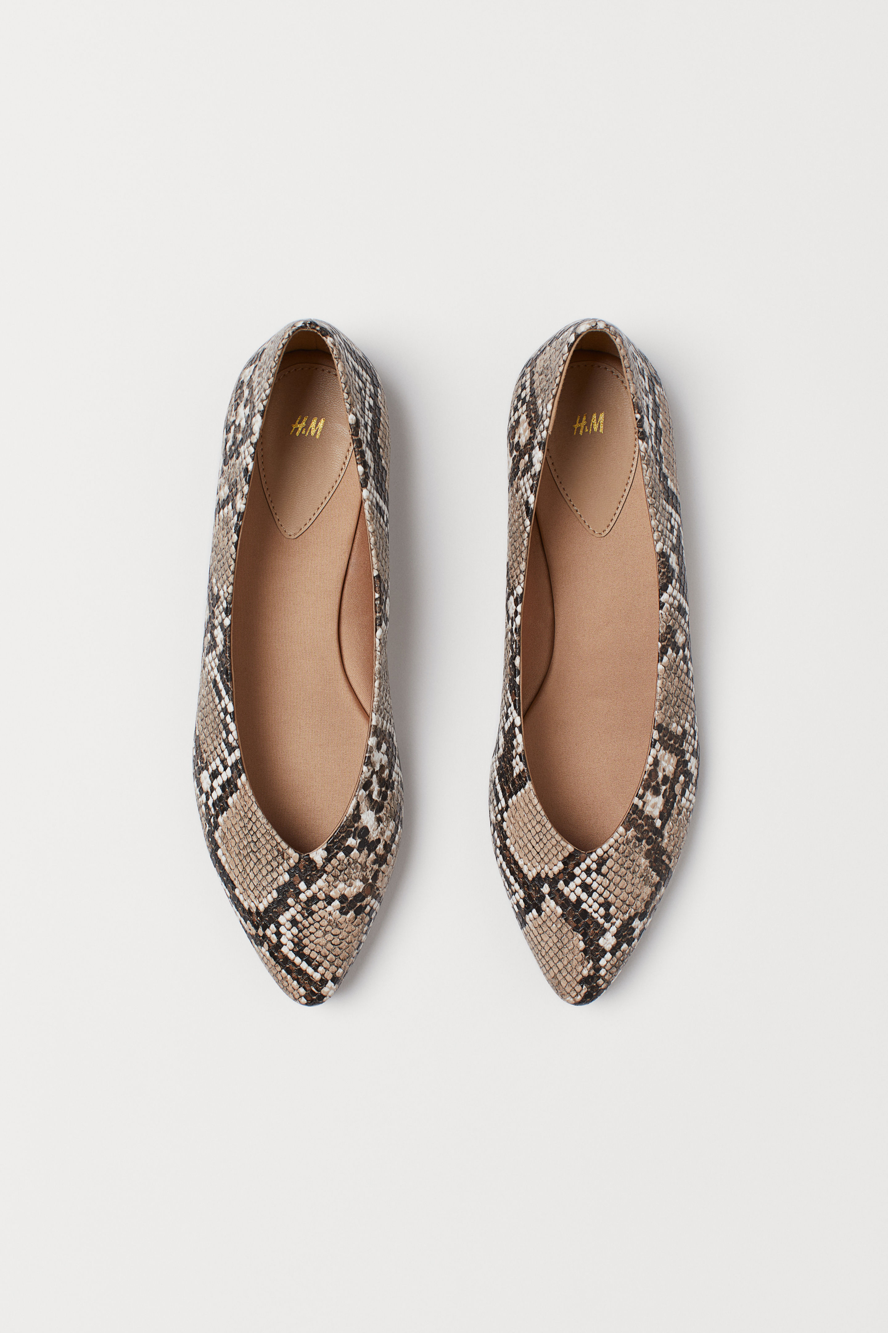 Pointed Toe Snake Pattern Flats
