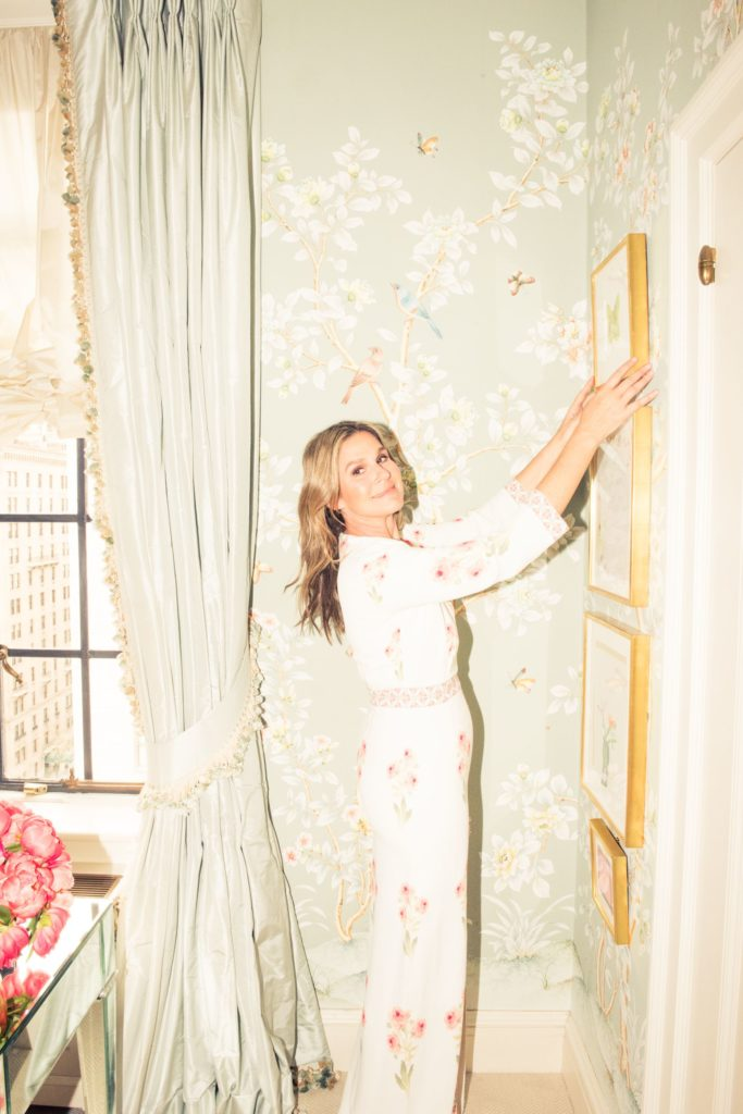 Aerin Lauder New York Apartment Dressing Room Chinoiserie Wallpaper Gracie Studio