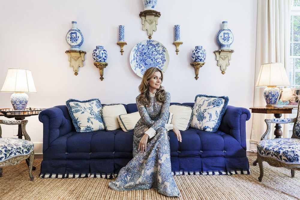 Aerin Lauder East Hampton Home Living Room Lilac Walls Tufted Sofa Blue and White Porcelain
