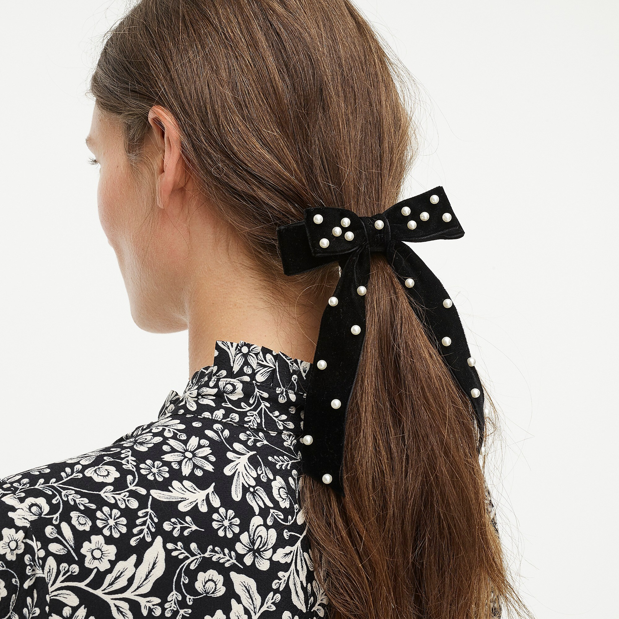Velvet Bow with Pearls